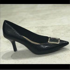 Comfort Plus Predictions black shoes size 8.5